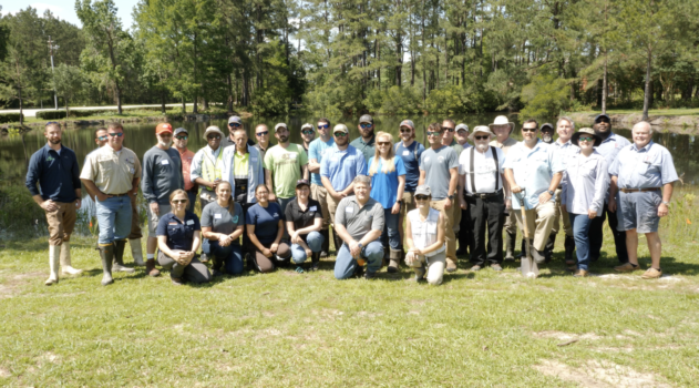 Master Pond Manager participants gather for field day.