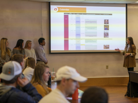 Students present social media plan for alumni association