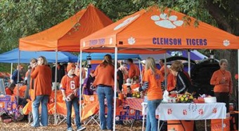 Clemson food safety experts warn tailgaters to keep food safety in mind when tailgating this football season.